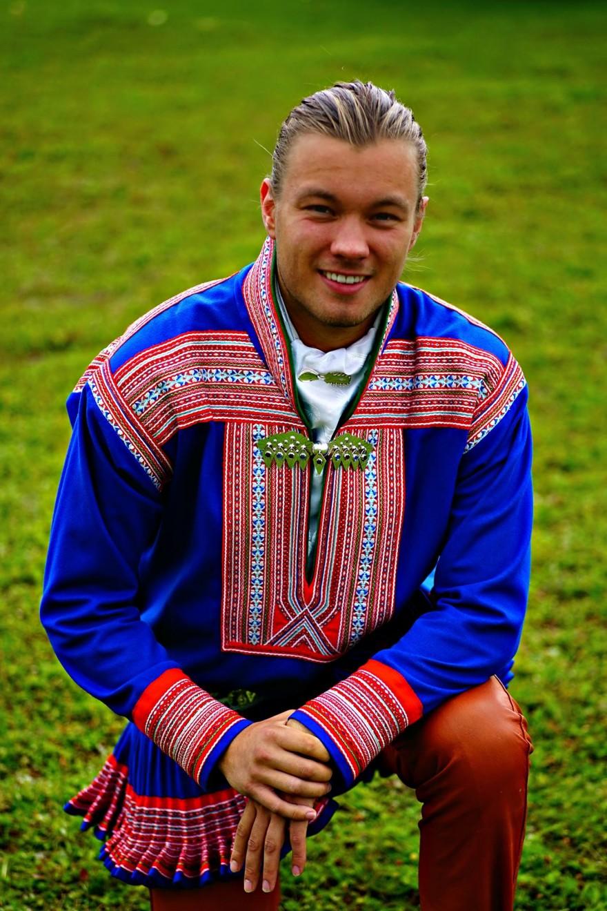 Bilde av samisk veiviser Knut Mikkel