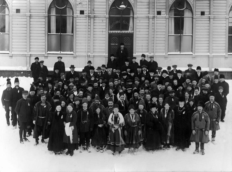 Bilde av mange samer fra 1917 i trondheim