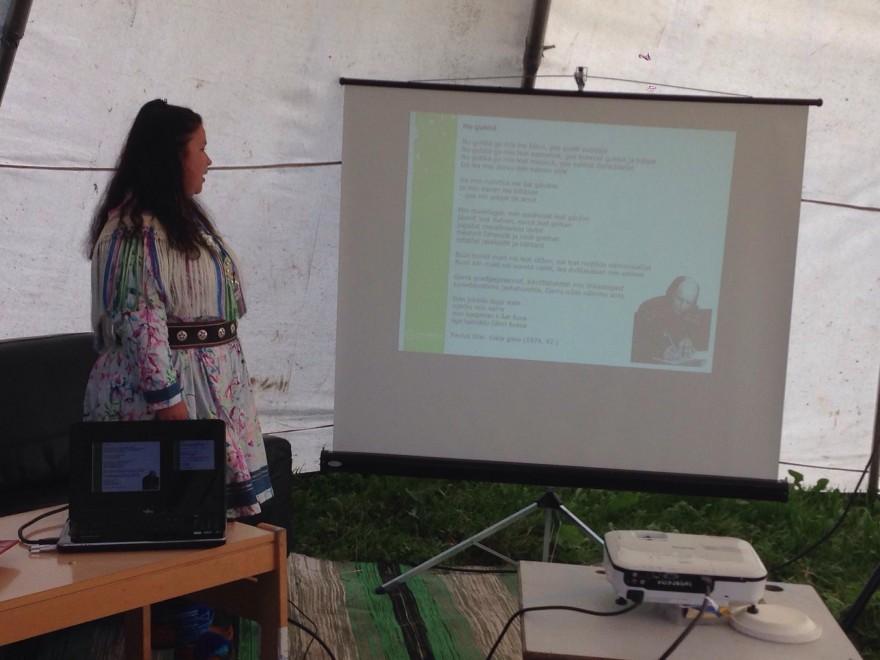Bilde av Hanna K. Mattila. Seminar i lávvu.