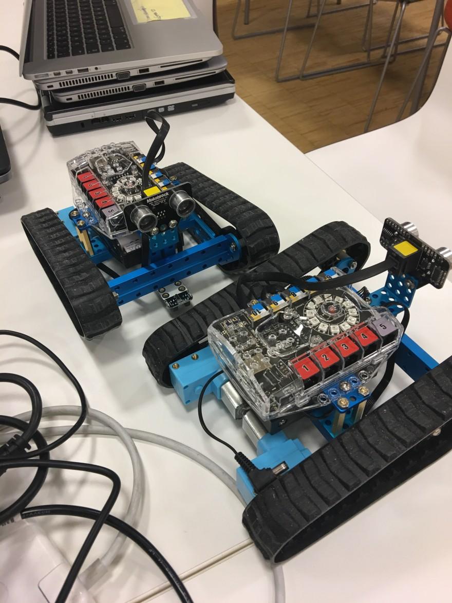 Bilde av roboter.