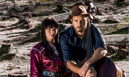 Bilde av duoen Arvvas med Sara Marielle Gaup Beaska og Steinar Raknes
