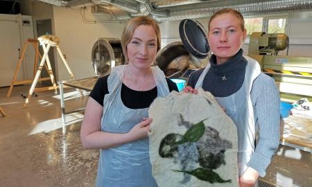 Bilde av Erle Elisabeth og Anna-Kajsa.