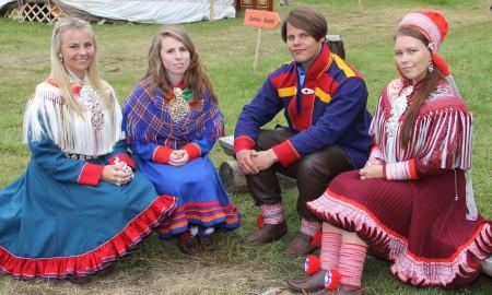 Bilde av de nye samiske veiviserne.